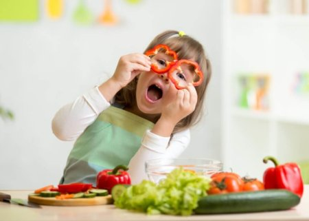 Как накормить ребёнка полезными овощами