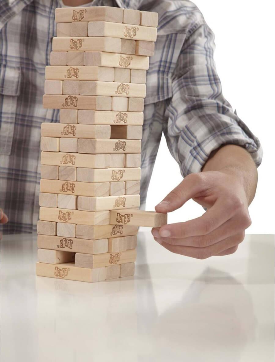 Игры с детьми на самоизоляции: как не дать подростку заскучать