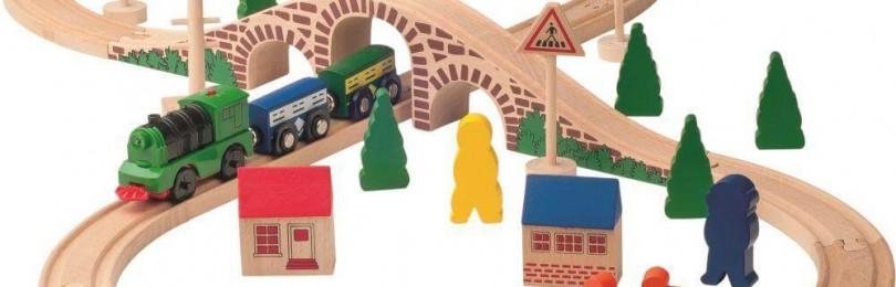 Детская железная дорога деревянная – актуальная и интересная игрушка