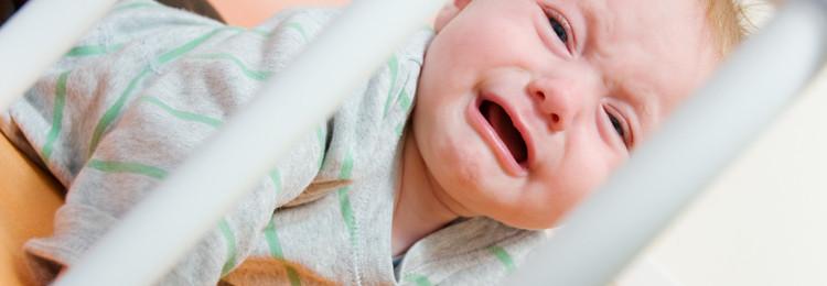 Почему малыш просыпается по ночам