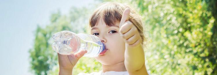 Нужно ли ребенку много воды — мнение доктора Комаровского