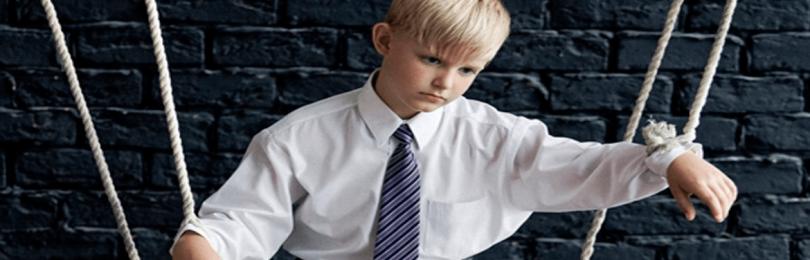 В чем вред гиперопеки над ребенком