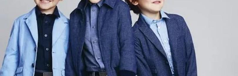 Выбор детской одежды — штаны и кофта