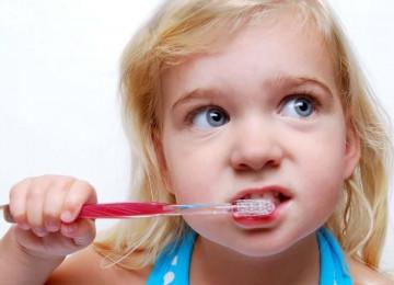 5 советов, которые помогут привить ребенку любовь к чистке зубов