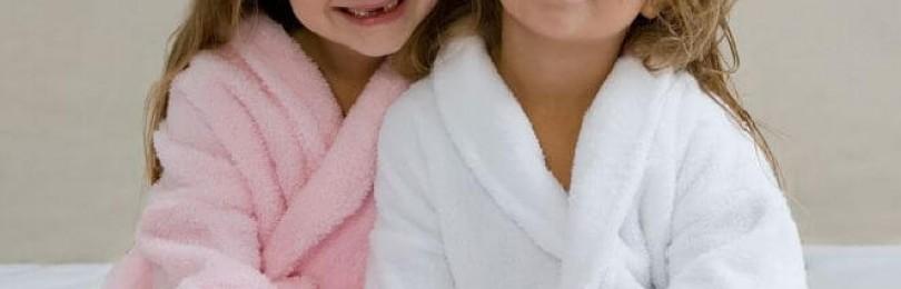 Необходимость детской одежды и банных халатов
