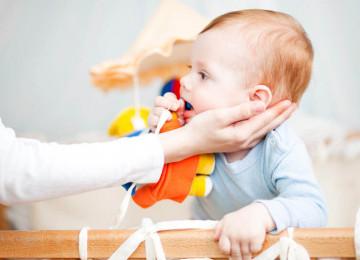 Что делать, если ребенок подавился: руководство к немедленному действию