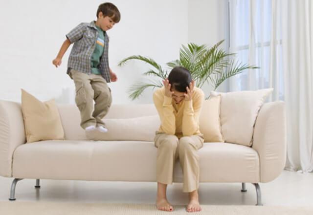 Почему не все любят гостей с детьми