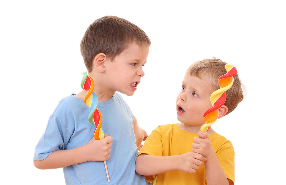 Как отучить ребенка кусаться и щипаться