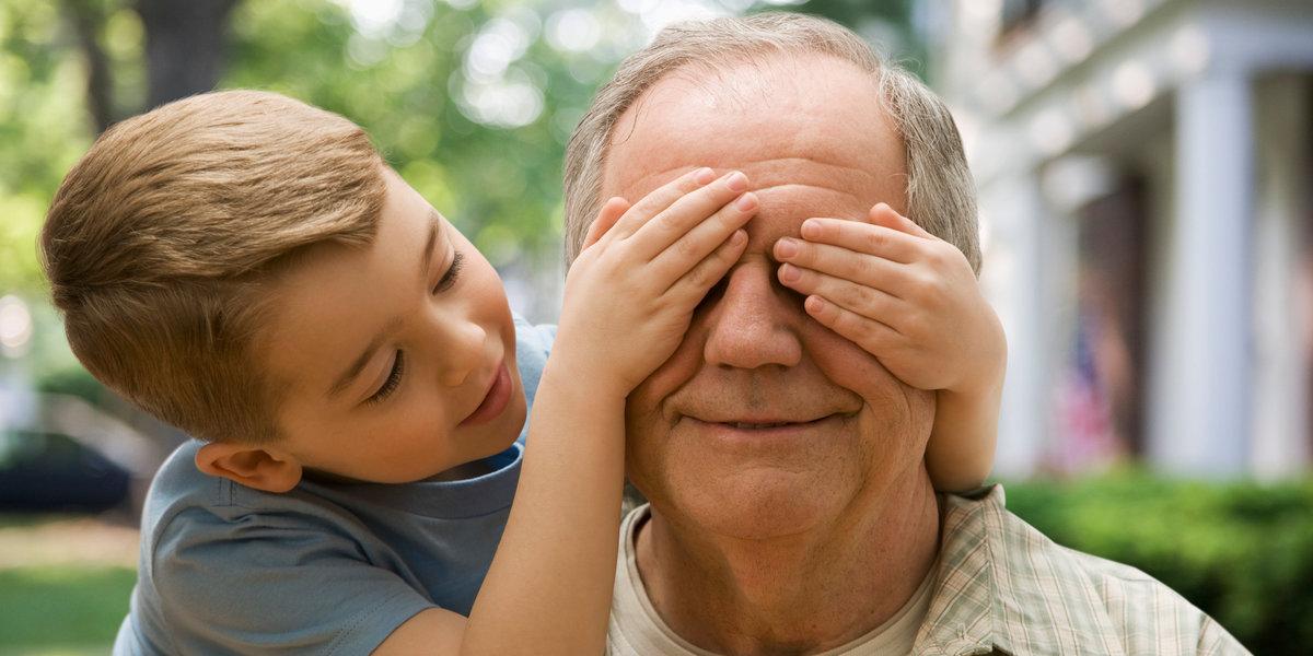 Как воспитать в детях уважительное отношение к бабушке и дедушке