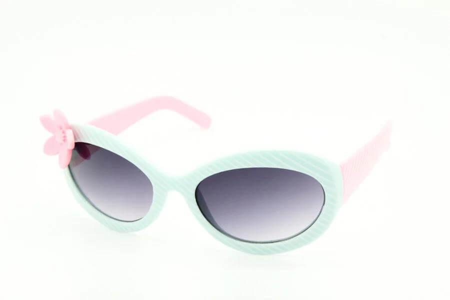 Нужны ли ребенку темные очки