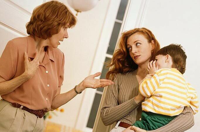 Как отучить бабушку от ненужных подарков внукам