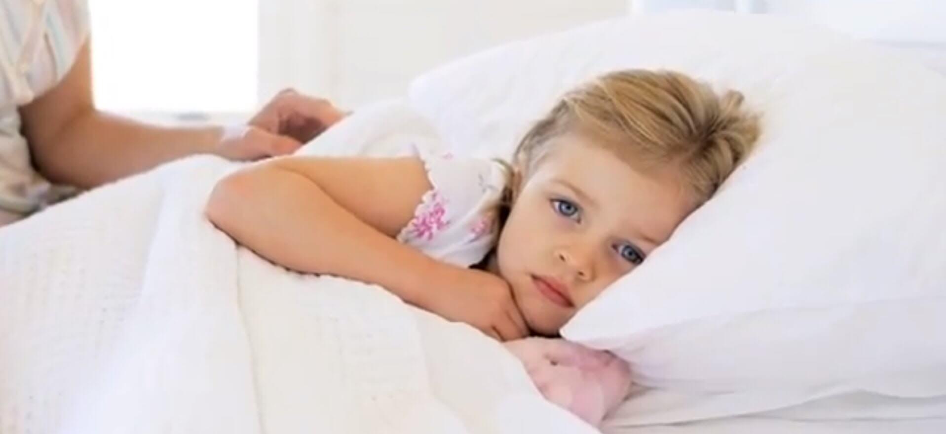 У ребенка энурез: что делать родителям