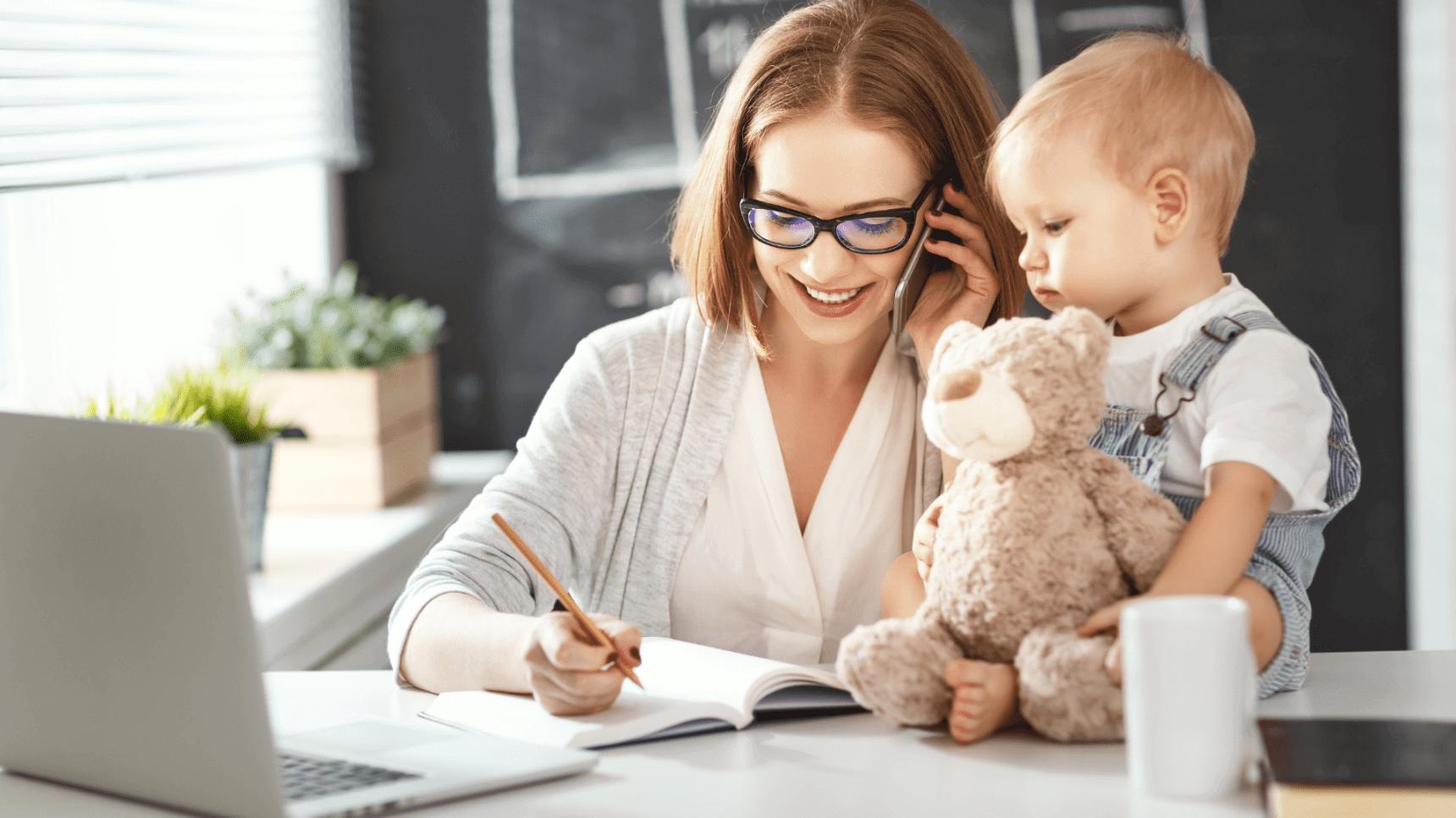 Как подрабатывать в декрете и не упустить ребенка
