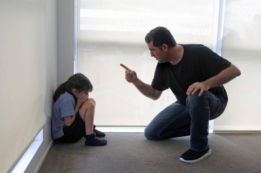 Опасные типажи родителей, которые могут испортить жизнь дочери